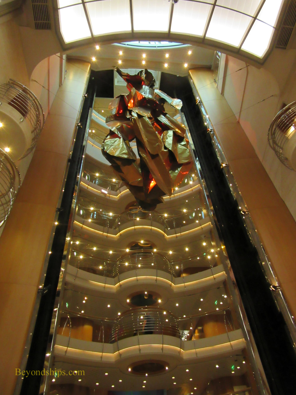 Cruise ship Oriana, Atrium