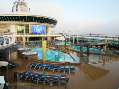 Navigator of the Seas, pools