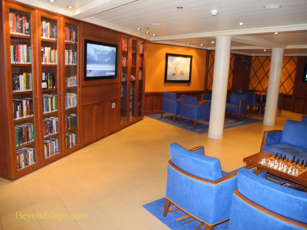 Cruise ship Pacific Princess library