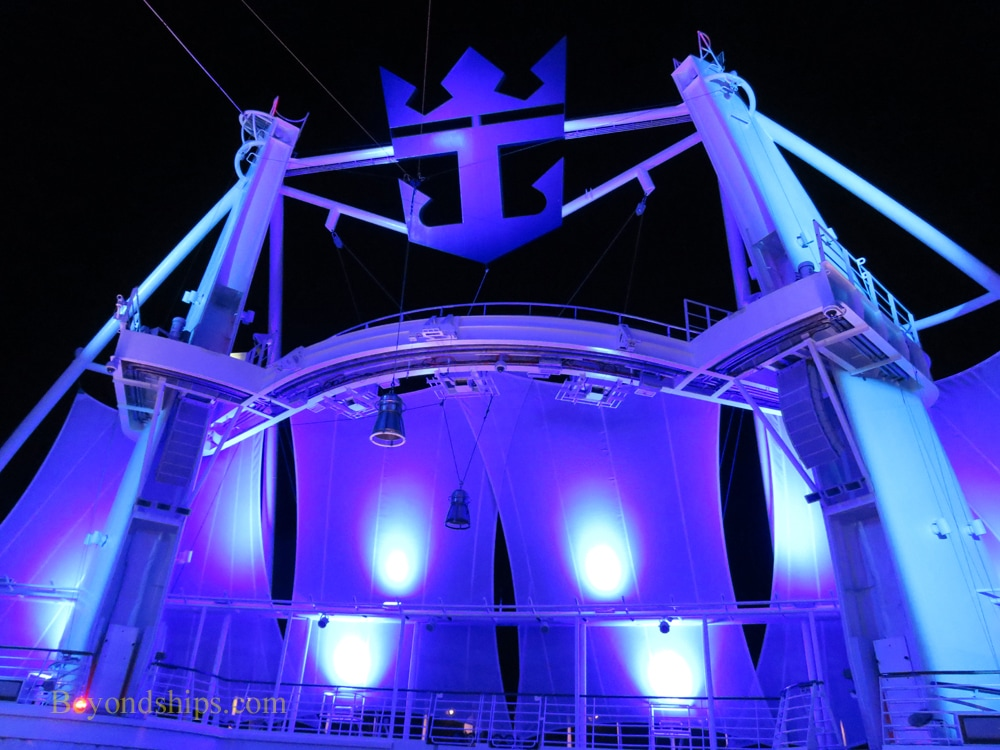Harmony of the Seas, Aqua Theater, diving platforms