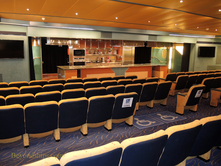 Cruise ship Veendam entertainment venues