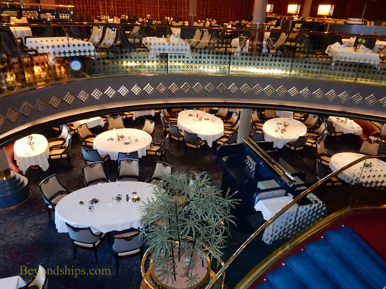 Cruise ship Oosterdam dining
