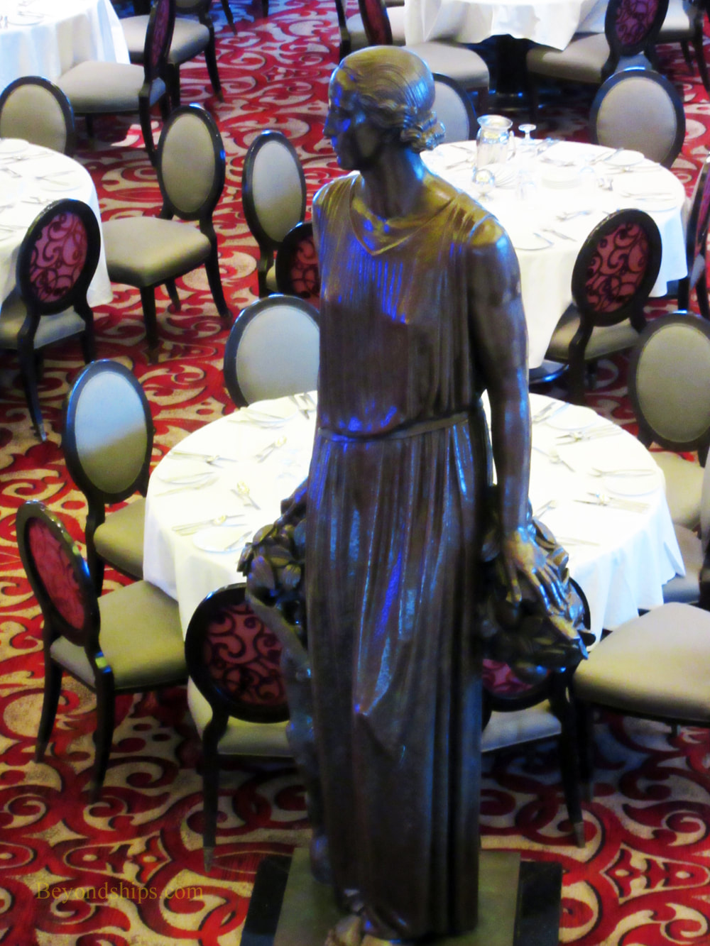 Celebrity Summit, main dining room, Normandie statue
