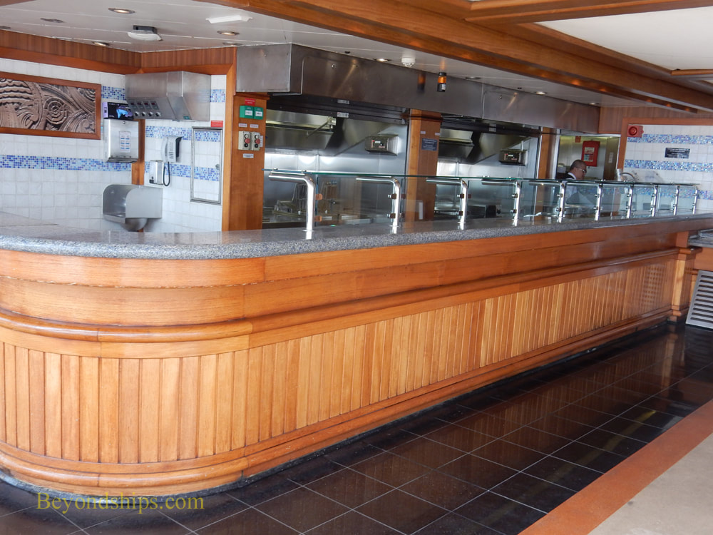 Queen Elizabeth cruise ship, The Lido Pool Grill