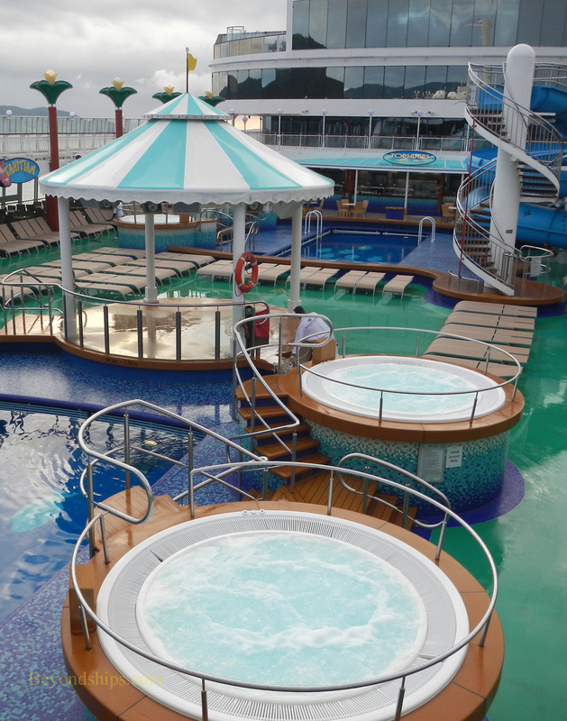 Norwegian Gem cruise ship, pool area