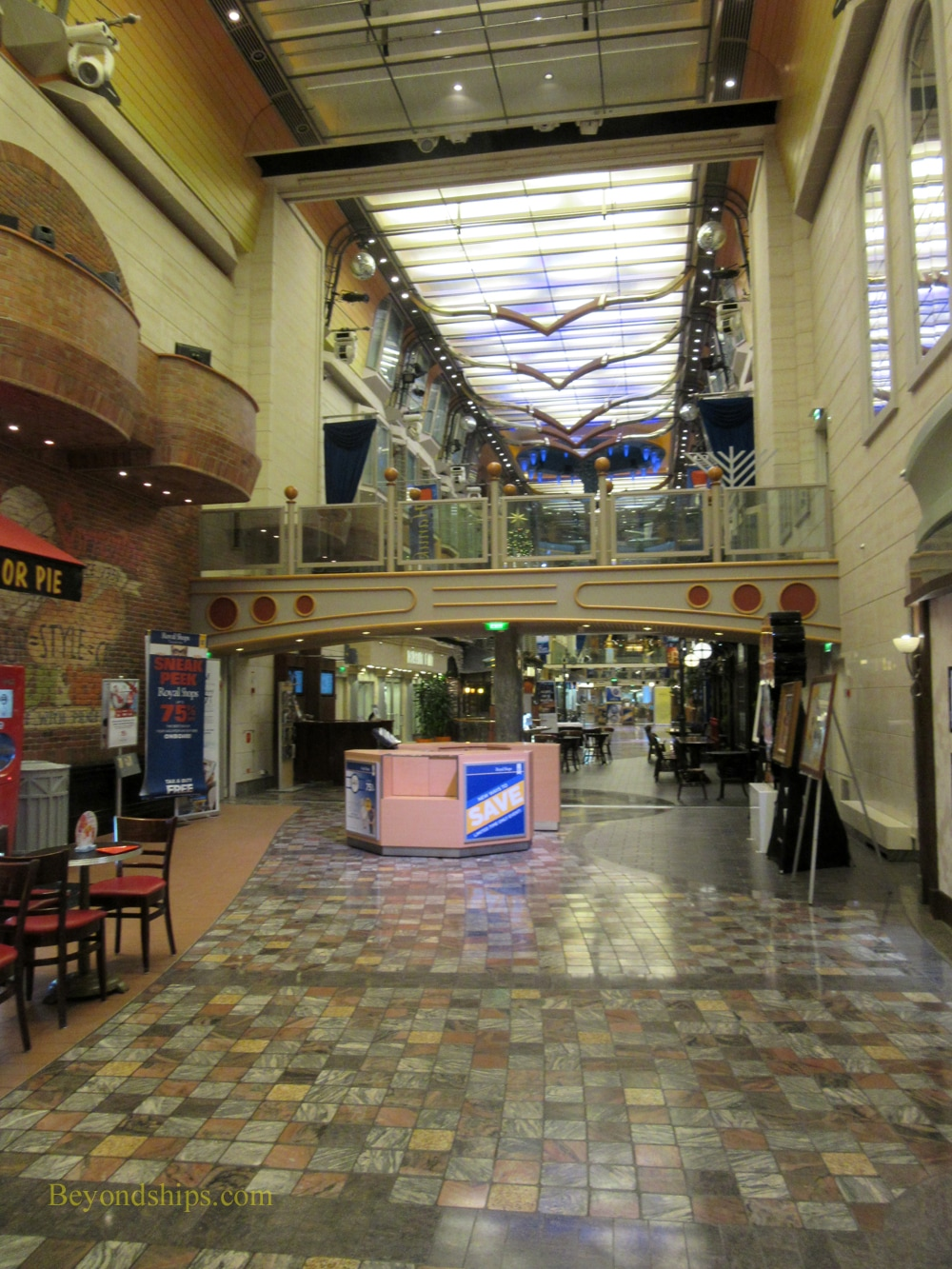 Freedom of the Seas cruise ship, Royal Promenade