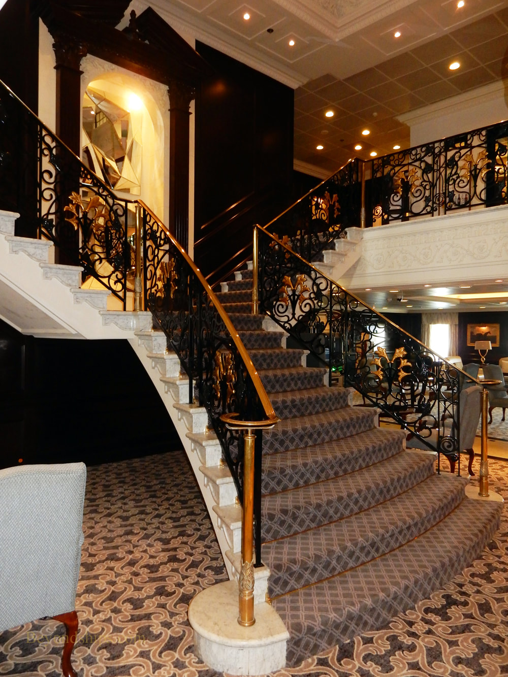 Cruise ship Pacific Princess grand staircase