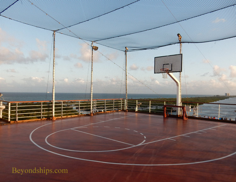 Cruise ship Oosterdam, sports court