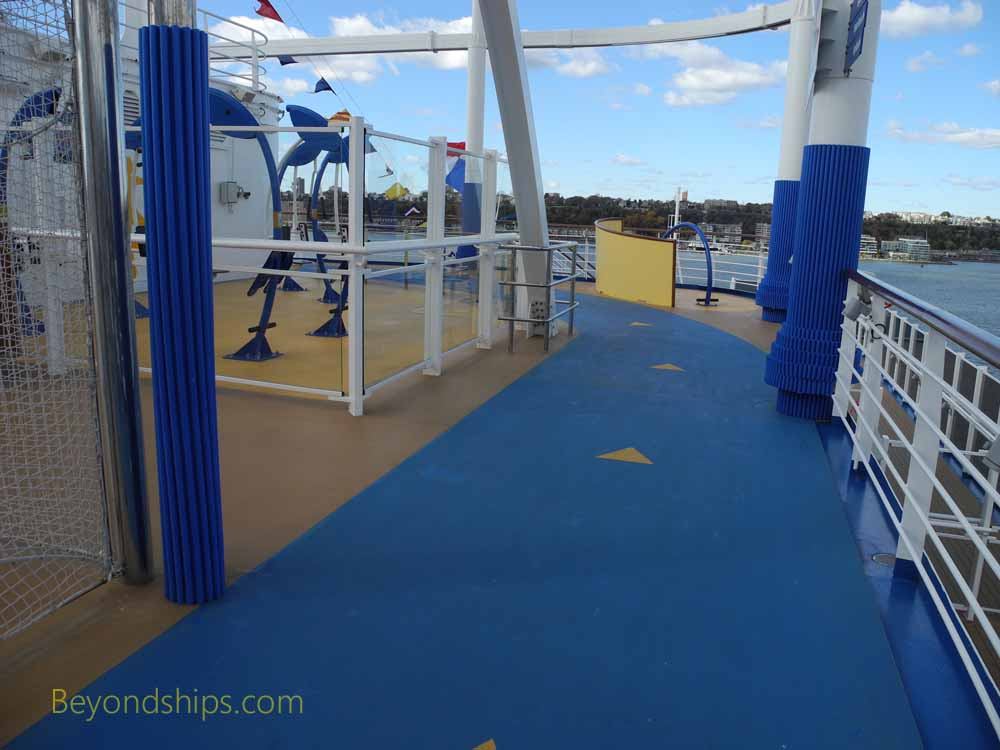 Cruise ship Freedom of the Seas, jogging trail