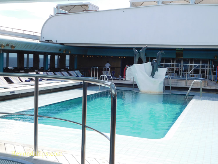 Cruise ship Oosterdam, pool areas