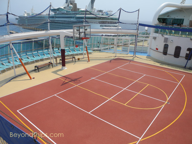 Queen Mary 2 pools and sports