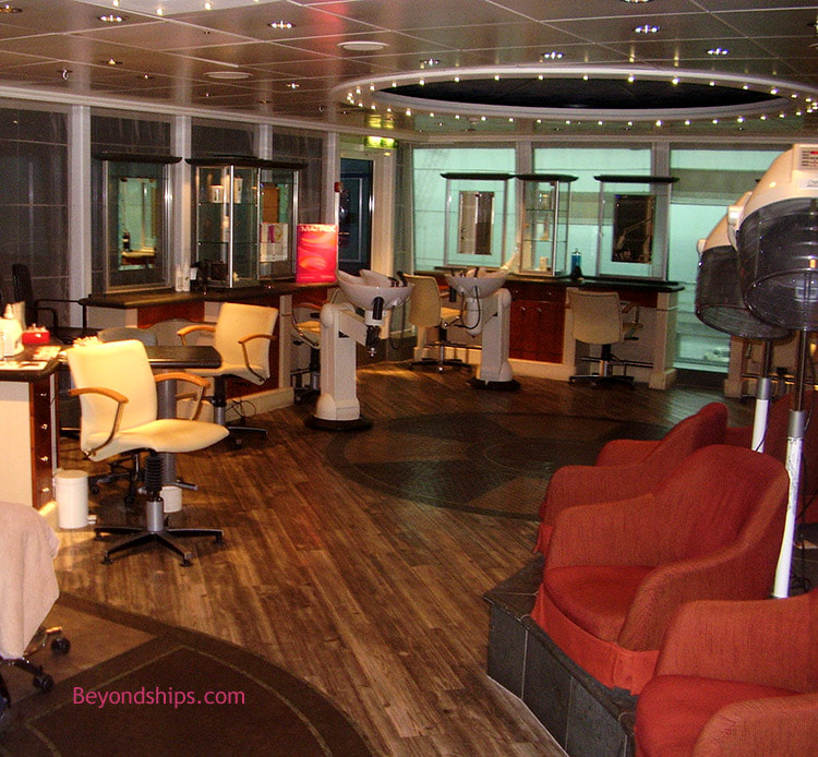 Cruise ship Aurora salon