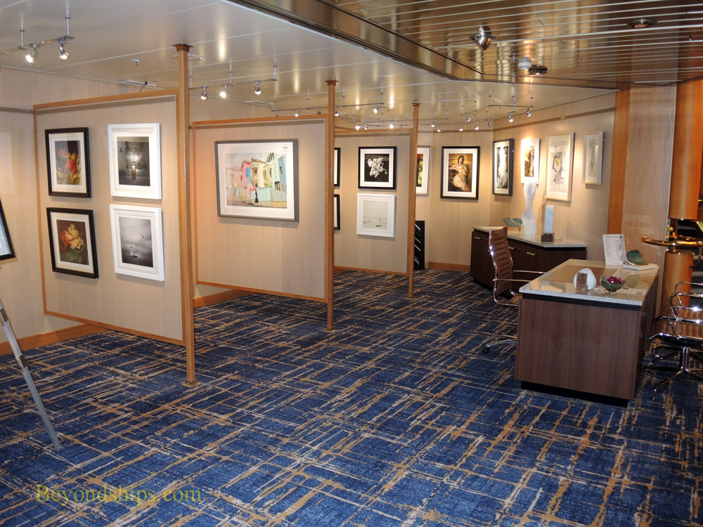 Cruise ship Rotterdam art gallery
