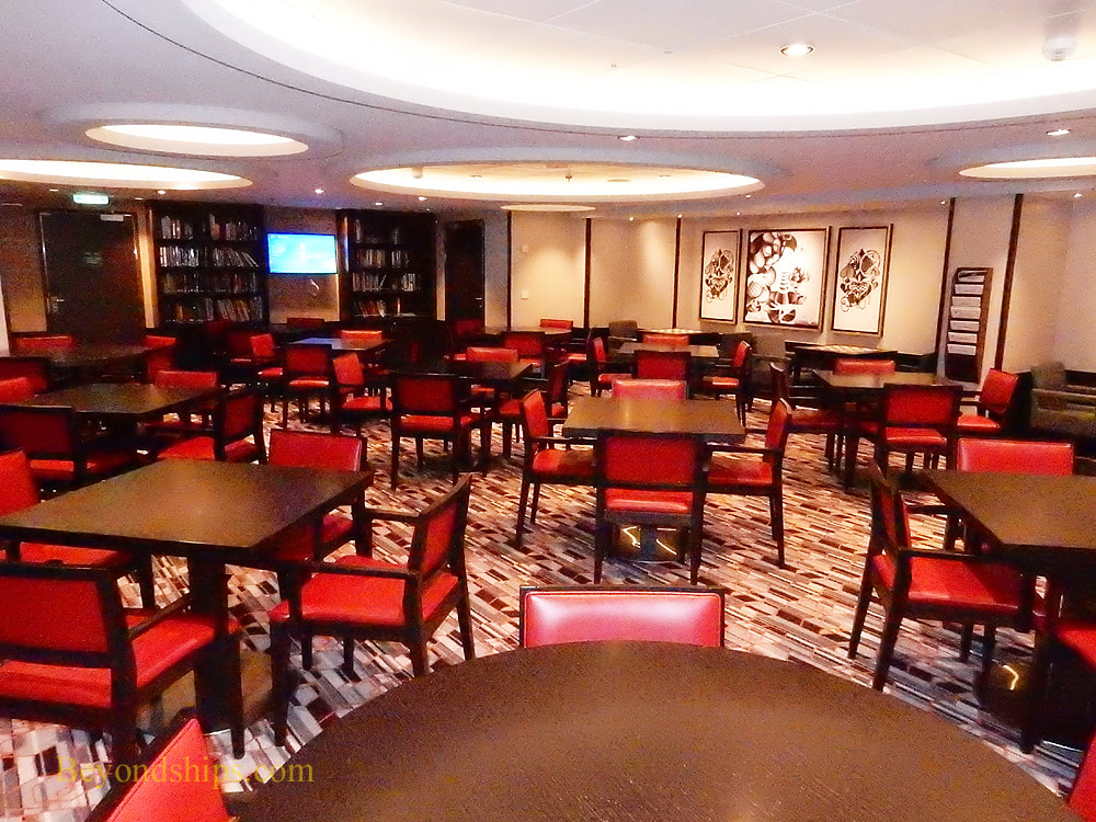 Symphony of the Seas card room
