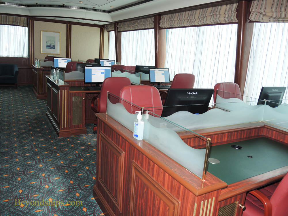 Queen Mary 2, internet centre