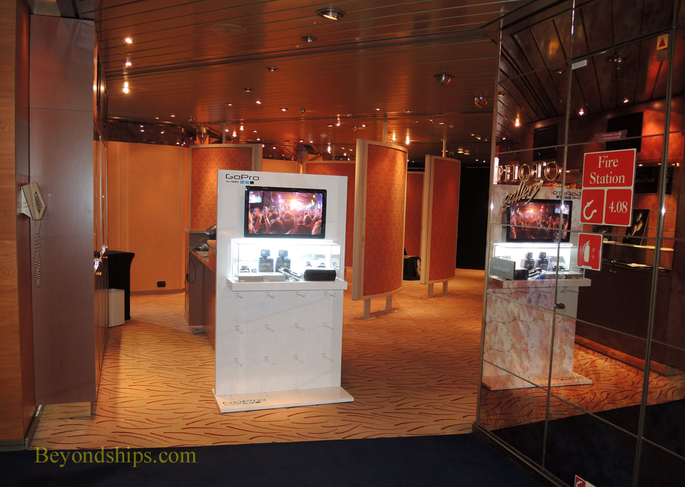 Cruise ship Rotterdam photo gallery