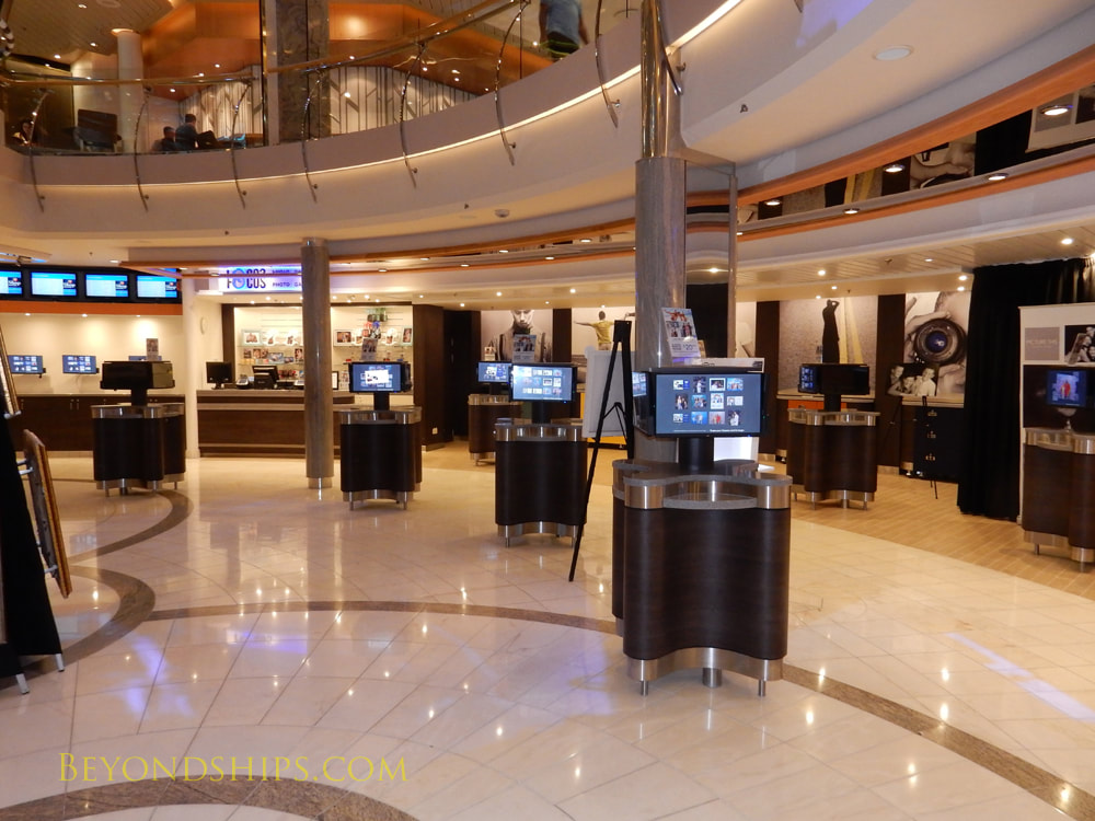 Mariner of the Seas cruise ship, photo gallery