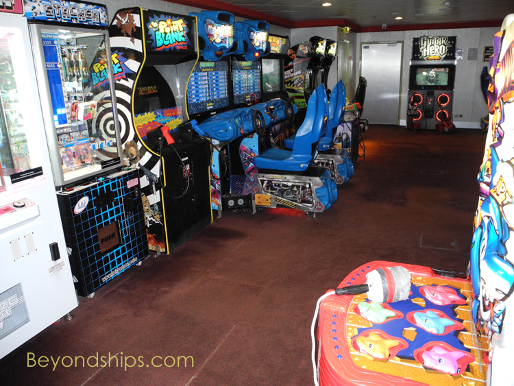 Norwegian Gem, video arcade