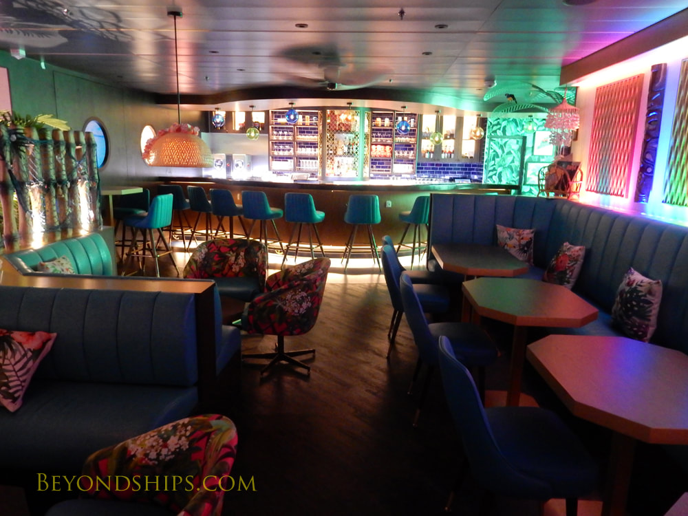 Cruise ship Mariner of the Seas bars and lounges