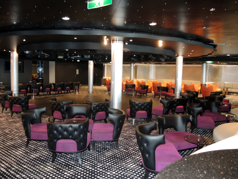 Cruise ship Norwegian Jade, bars and lounges, Bliss Lounge