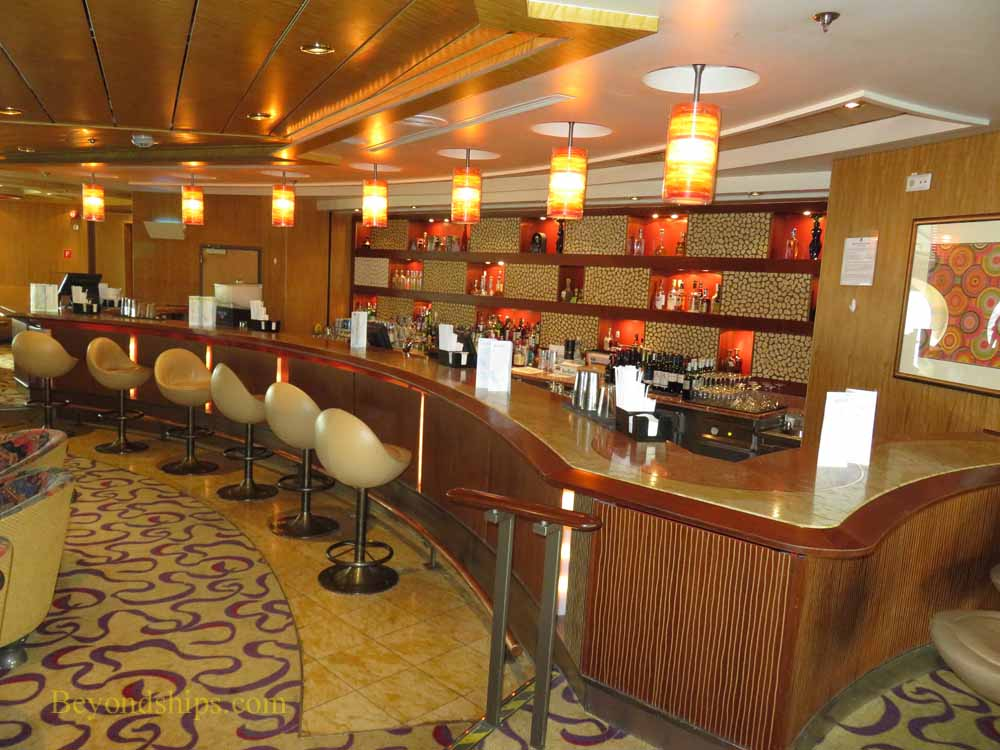 Cruise ship Enchantment of the Seas, bars