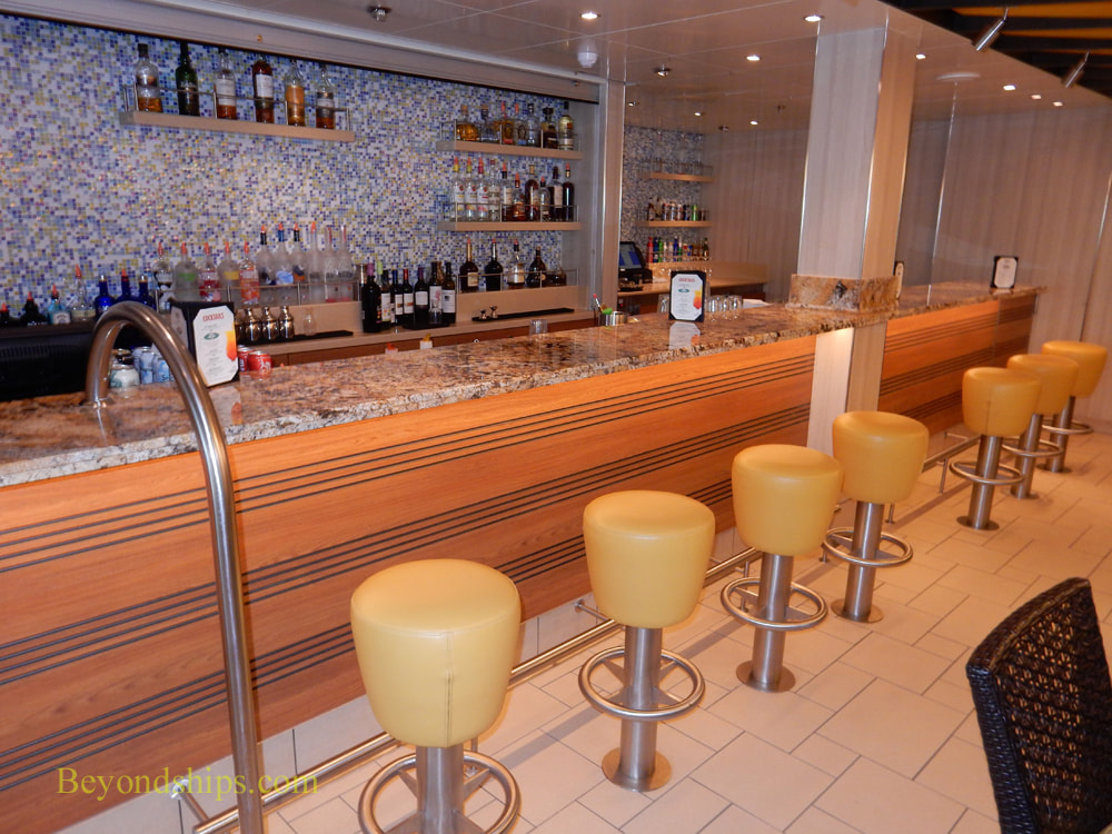 Bars and lounges, Carnival Horizon , cruise ship