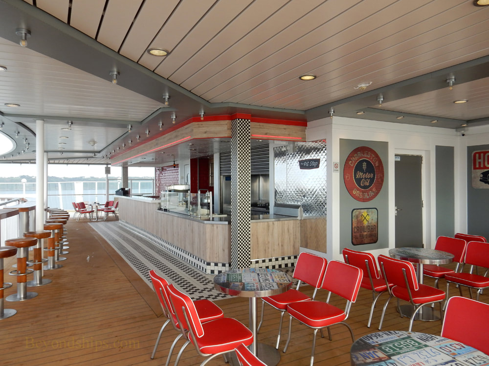 Cruise ship Norwegian Jade, bars and lounges, The Pit Stop