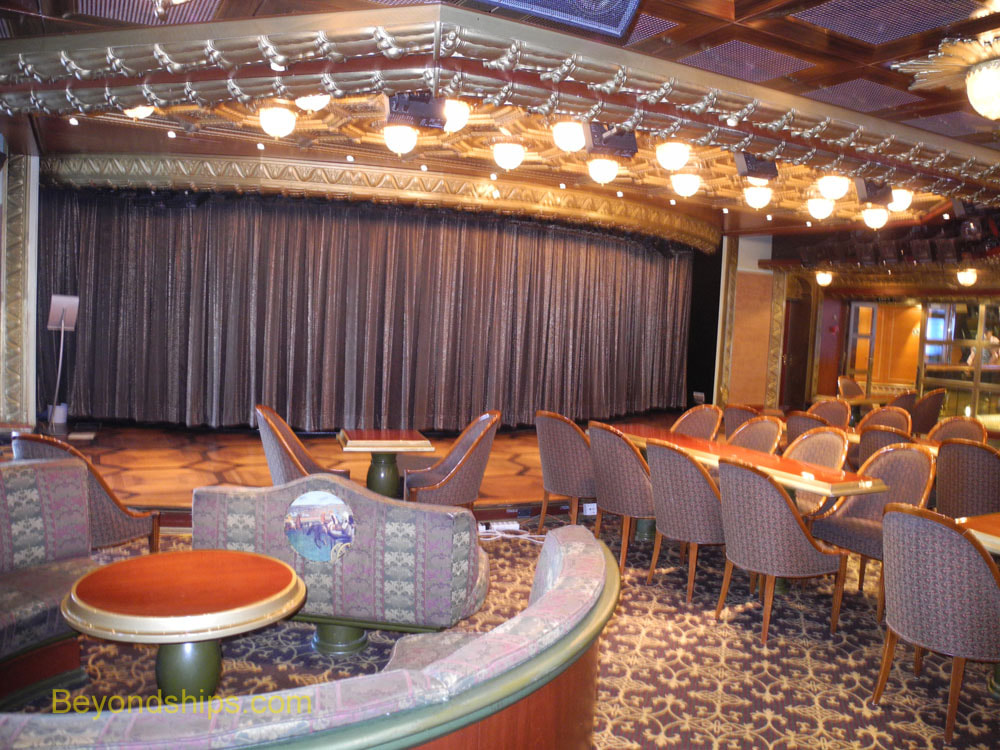 Symphony of the Seas, comedy club