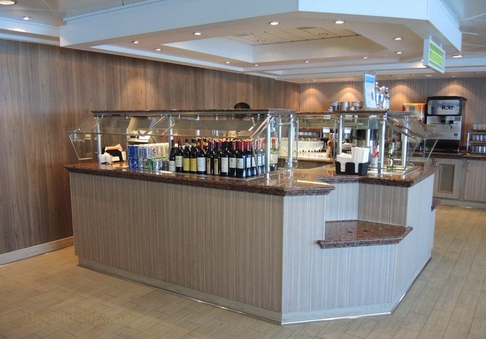 Cruise ship Norwegian Jade, bars and lounges, Garden Cafe bar