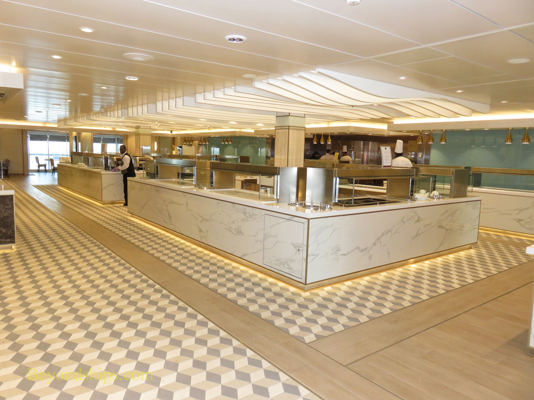 Queen Mary 2, King's Court buffet