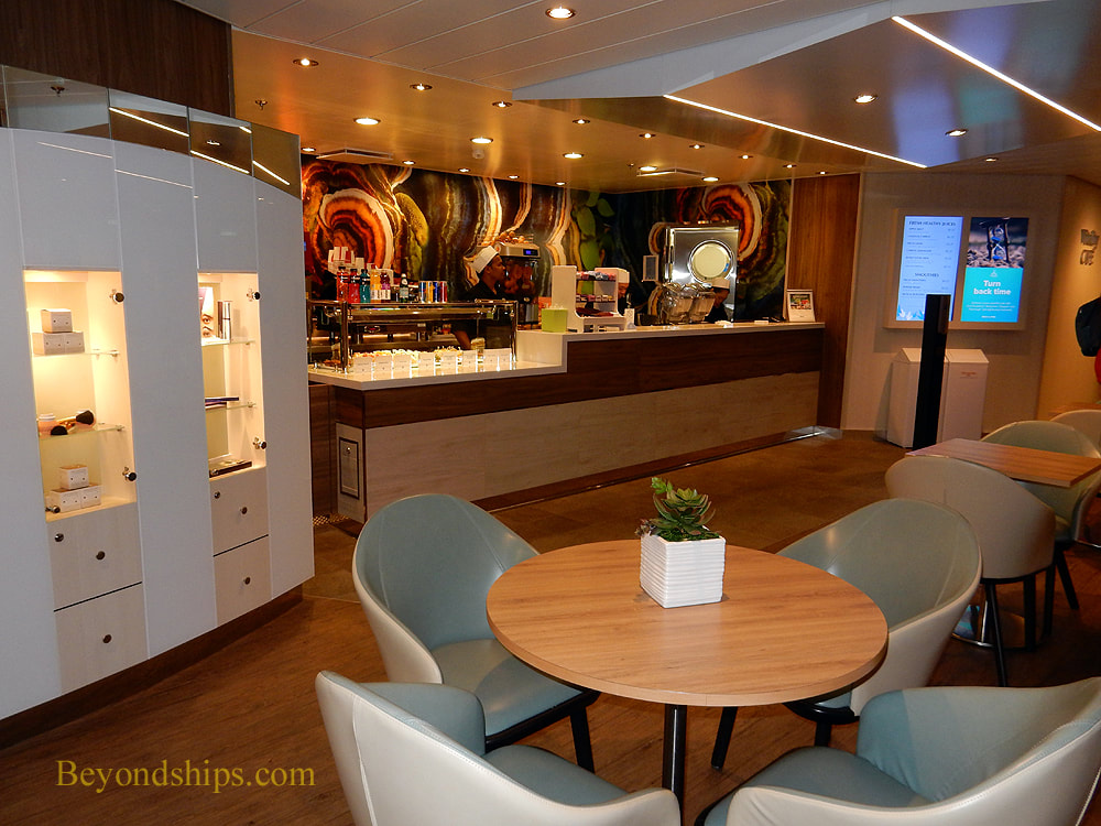 Symphony of the Seas casual dining venues