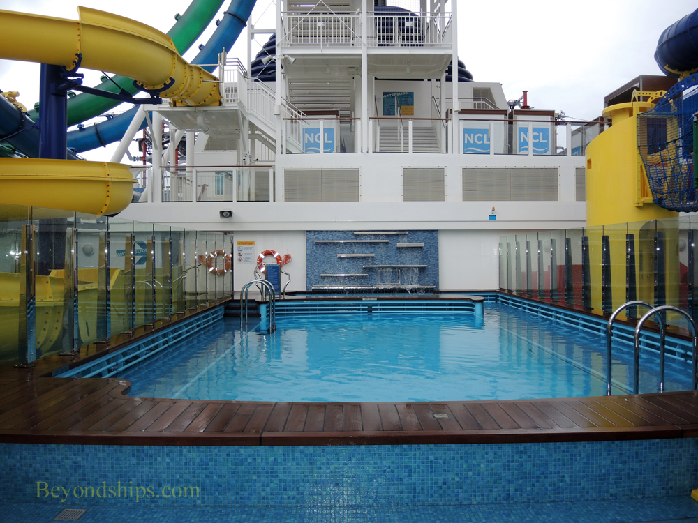 Norwegian Escape cruise ship pool area