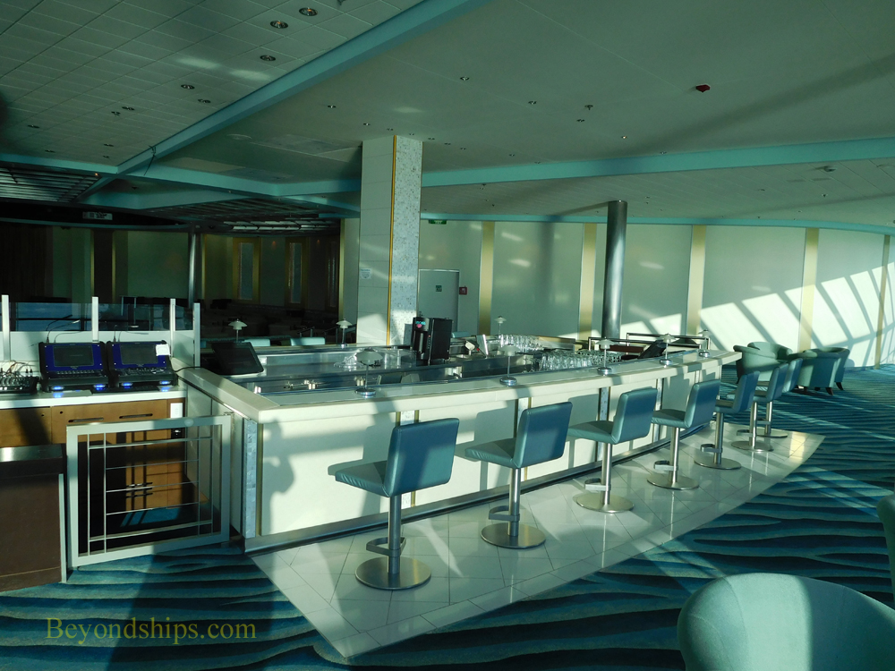 Cruise ship Celebrity Constellation entertainment