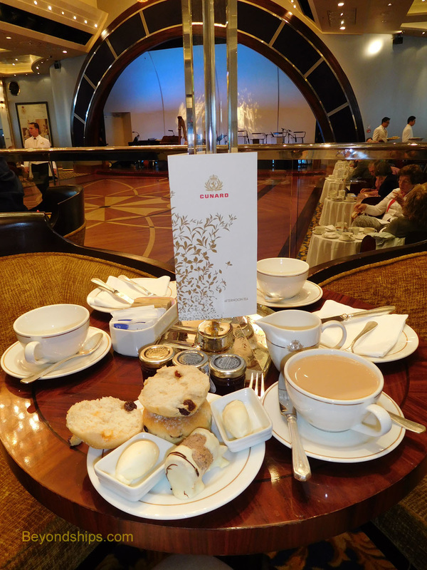 Queen Mary 2, Queens Room tea