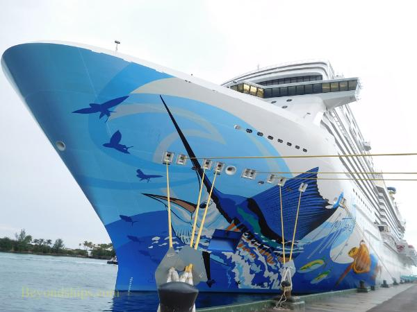 Cruise ship Norwegian Escape